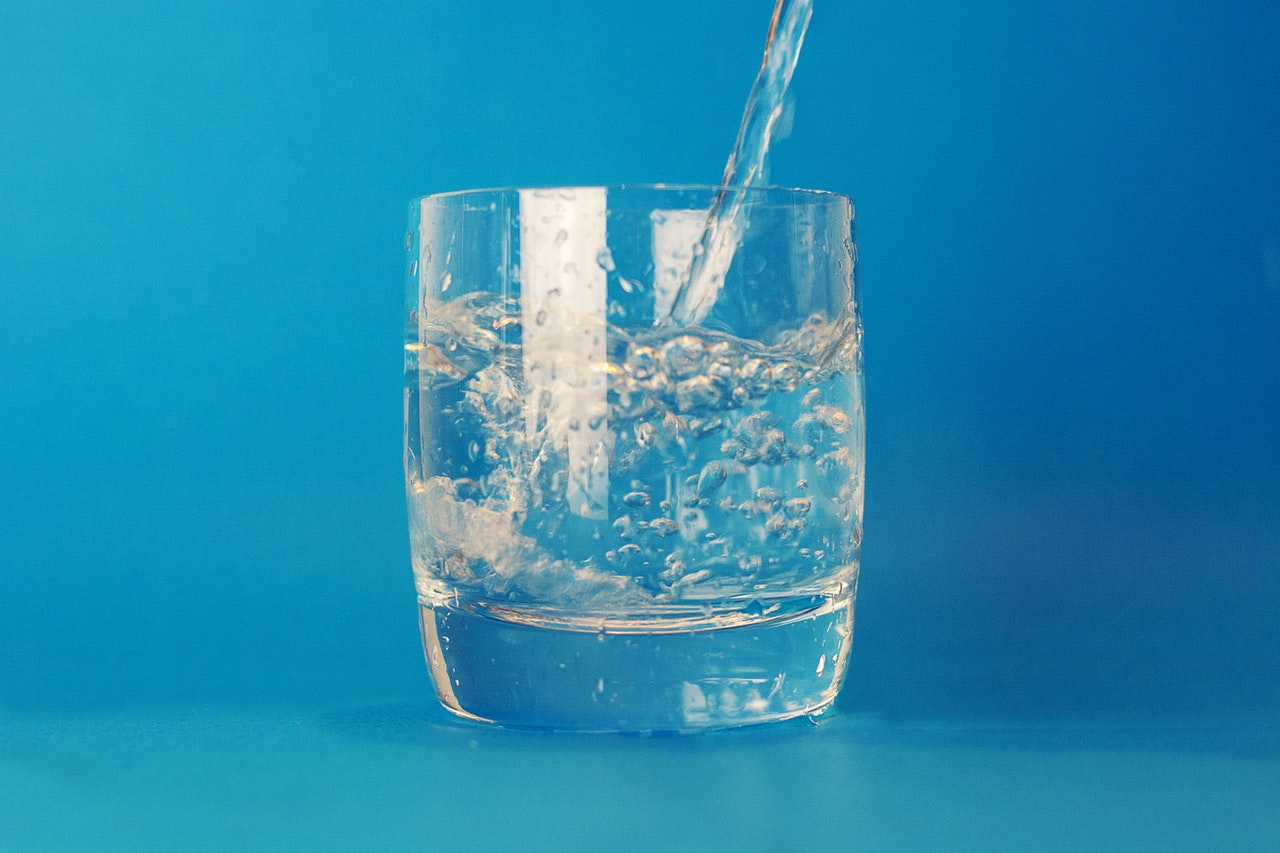 Water acts as a wonderful supplemental action to the best ways to optimize your diet